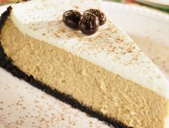 Cheesecake al cappuccino al microonde: una bontà da gustare con cucchiaio
